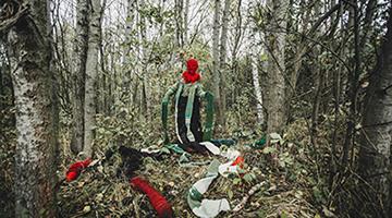 Malgorzata Markiewicz, Medusa: Sensing-with and thinking-with the world, photo Grzesiek Mart, print on textile 4x3m, 2021