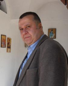 Emmanuel Moutafov
